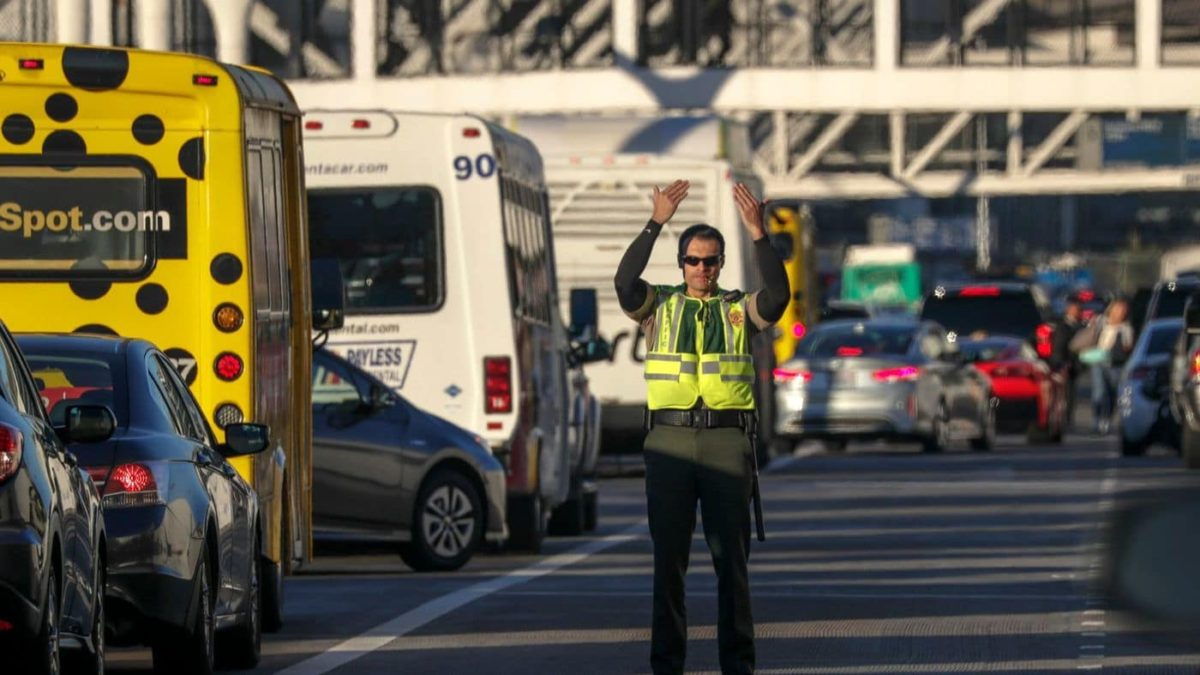 Parking costs at LAX rank in the middle among major U.S. airports