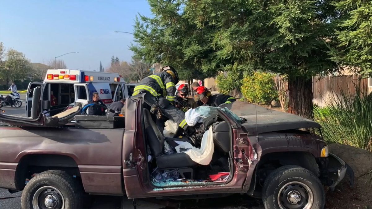 Man in critical condition after north Modesto crash