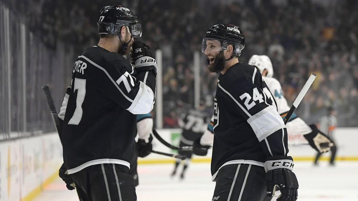 Kings rally in third period to defeat Sharks 4-2