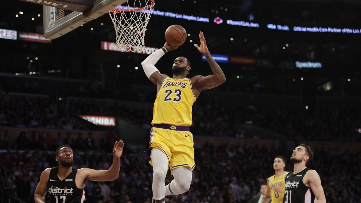 Lakers have fun for the first time in a while in 124-106 win over Wizards