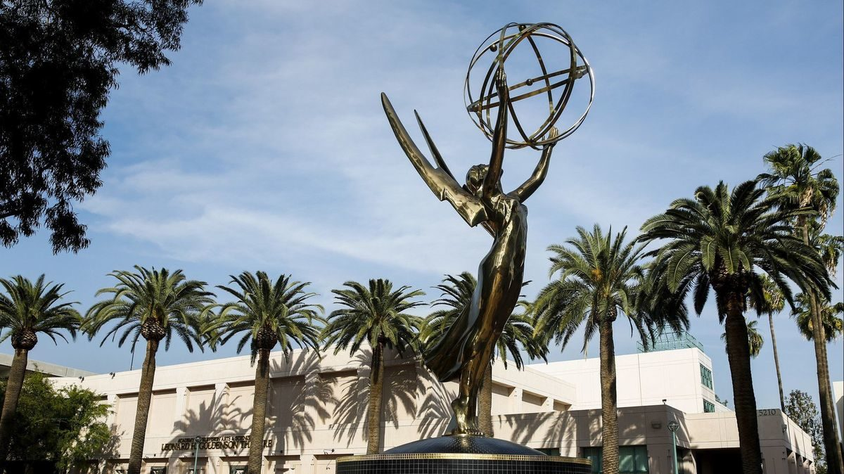 Our live Emmy chats let award contenders go beyond 'for your consideration' ads