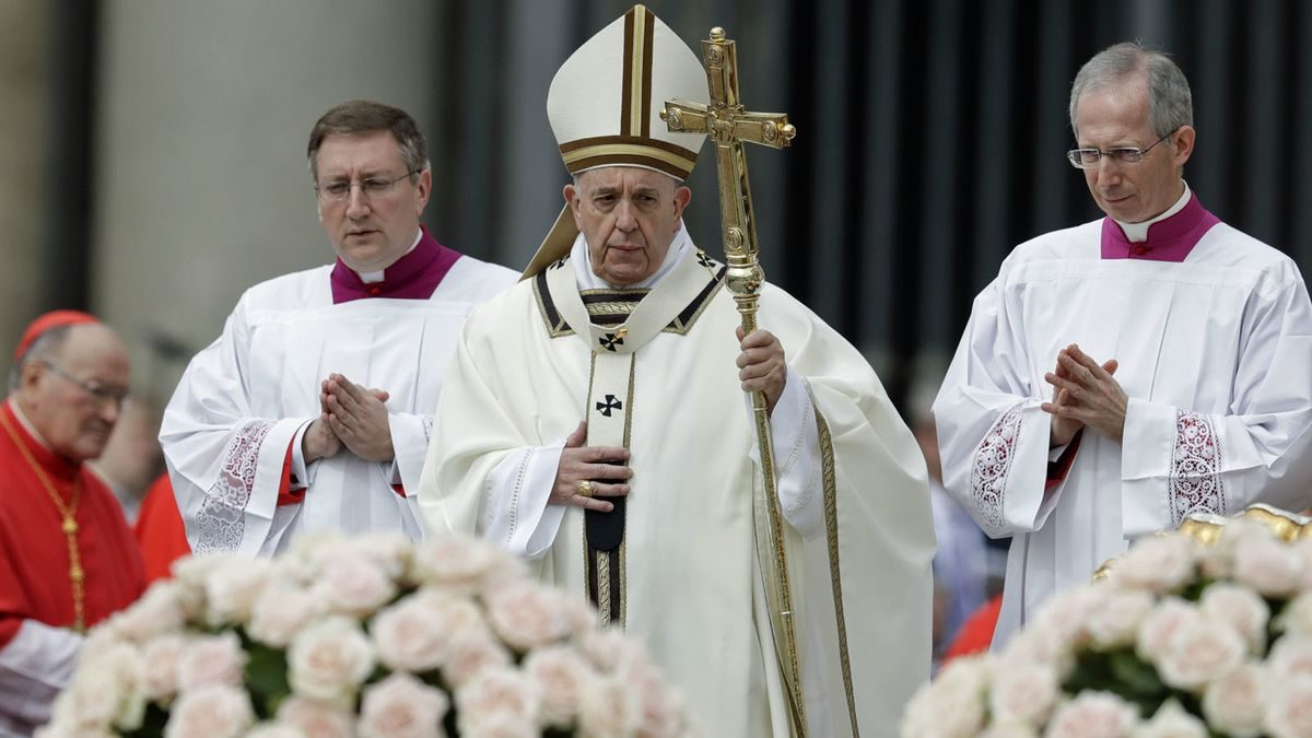 Pope faces a grim Easter Sunday after bloodshed in Sri Lanka and the burning of Notre Dame