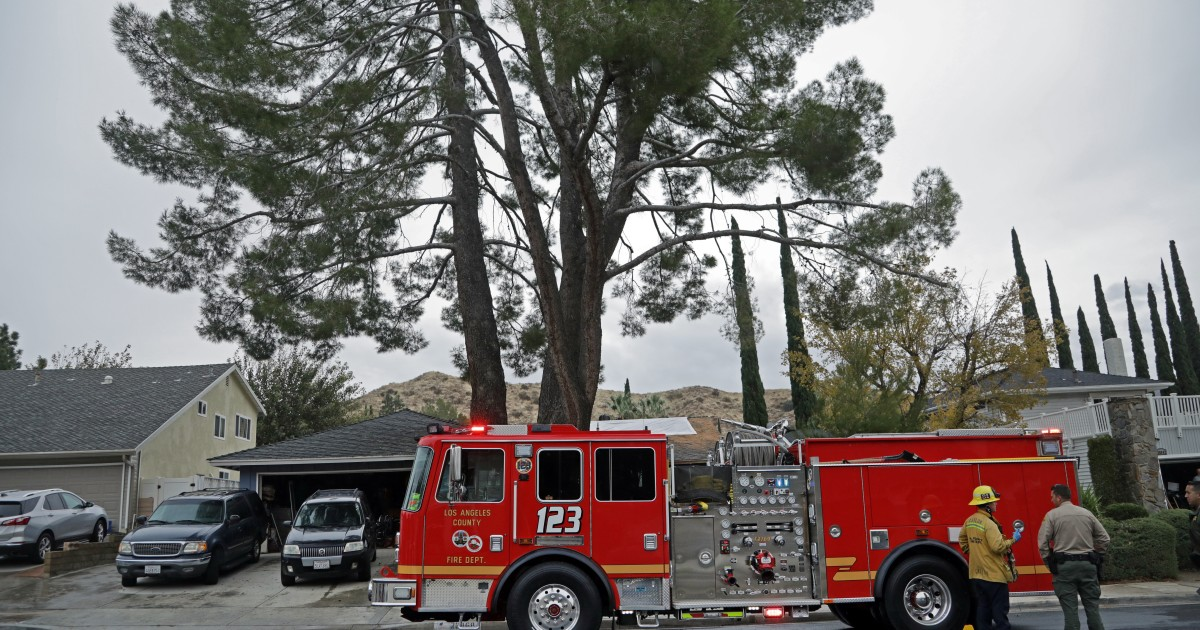 One person killed, another injured in Santa Clarita house fire