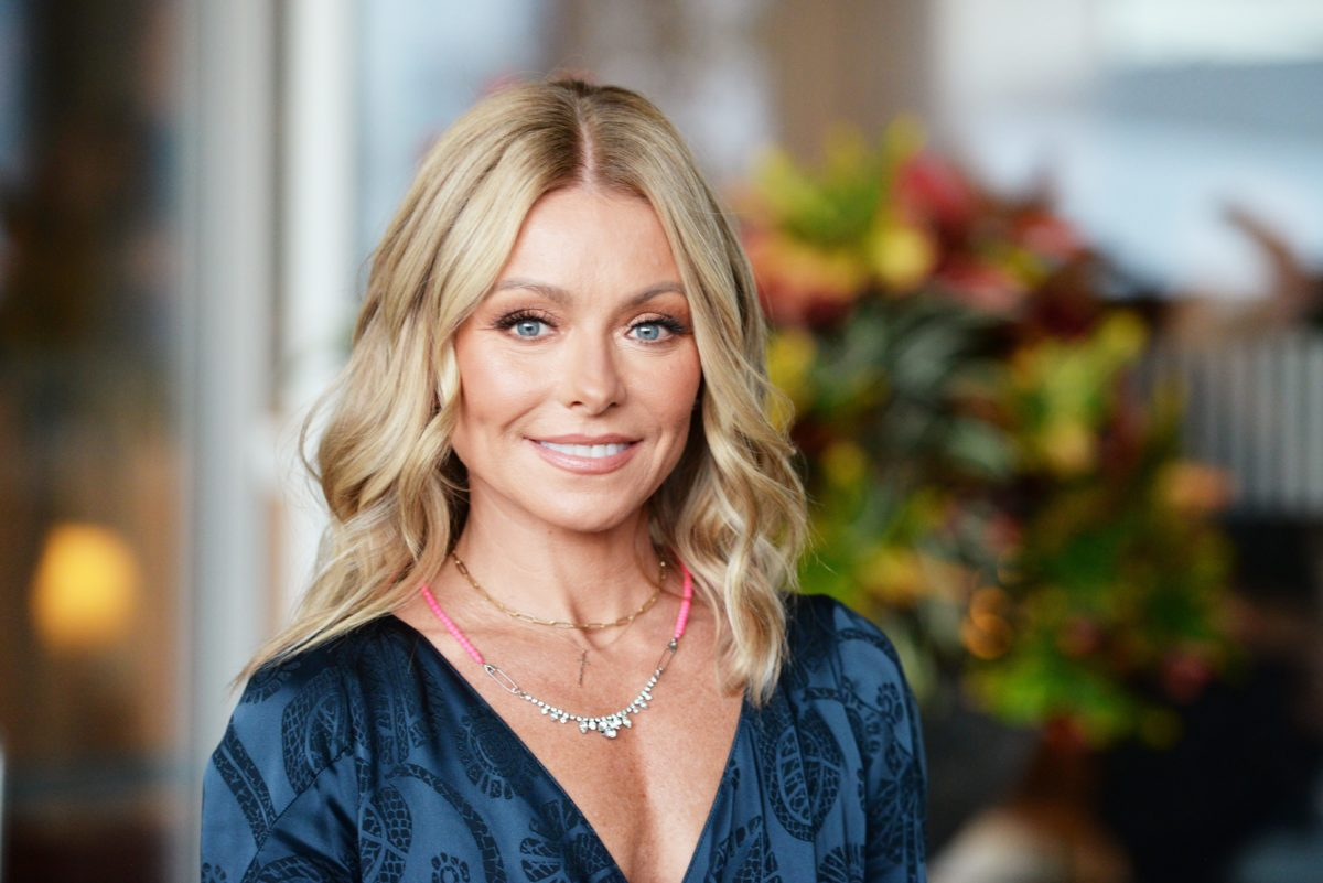 Kelly Ripa reveals she's stopped drinking since co-hosting 'Live' with Ryan Seacrest