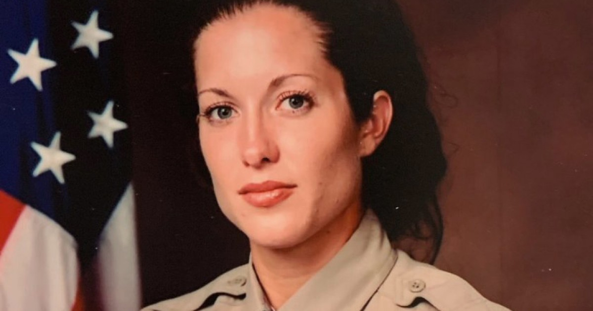 Sheriff's detective was killed after helping someone in need