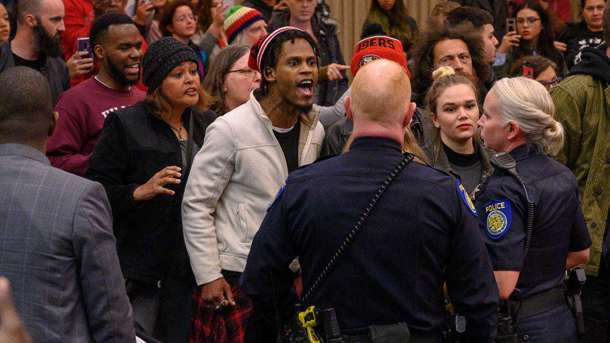 Live updates: Chaos erupts at City Council meeting; police chief not ready to answer questions